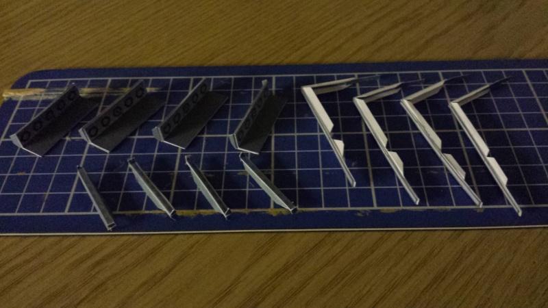 Versuch Nr.2 an einem Modell von UHU 02 02510