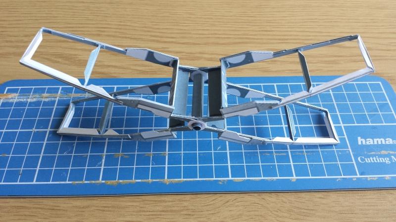Versuch Nr.2 an einem Modell von UHU 02 02910