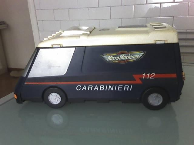 Furgone carabinieri Micromachines 01-06-10