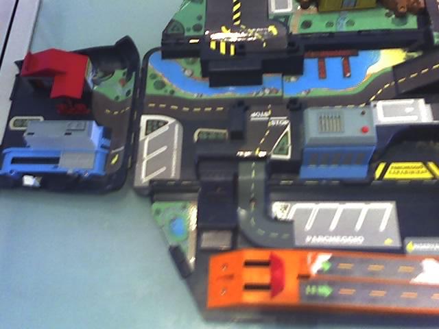 Furgone carabinieri Micromachines 01-06-12