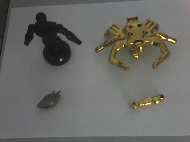 Pezzi totem e armature Cavalieri zodiaco 24-05-10