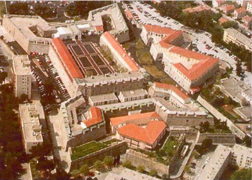 TOULON - LAMALGUE - MARINE Fort-l10