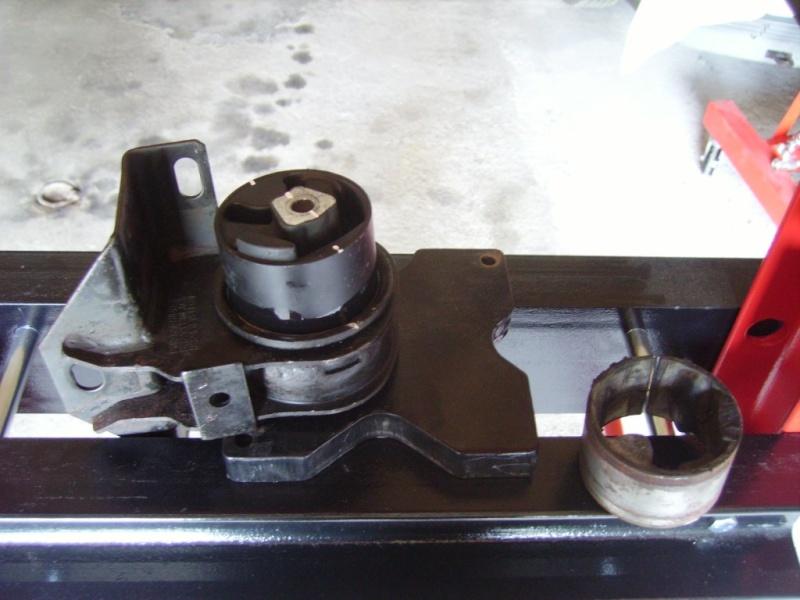 tuto remlacement 4 silens blocs moteur chrysler 2,5 td 98 Sb1710