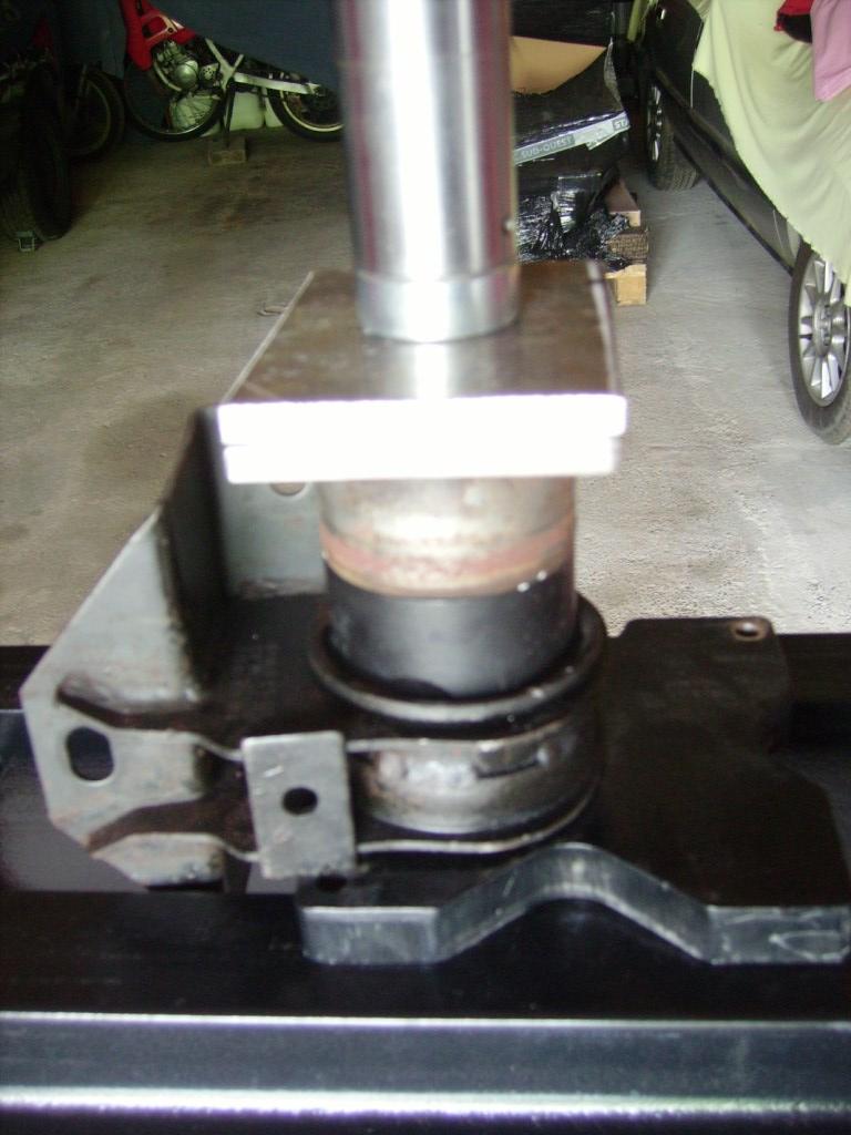 tuto remlacement 4 silens blocs moteur chrysler 2,5 td 98 Sb1910