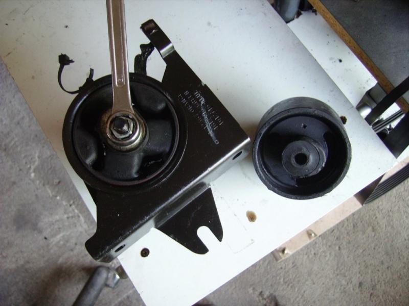 tuto remlacement 4 silens blocs moteur chrysler 2,5 td 98 Sb2410