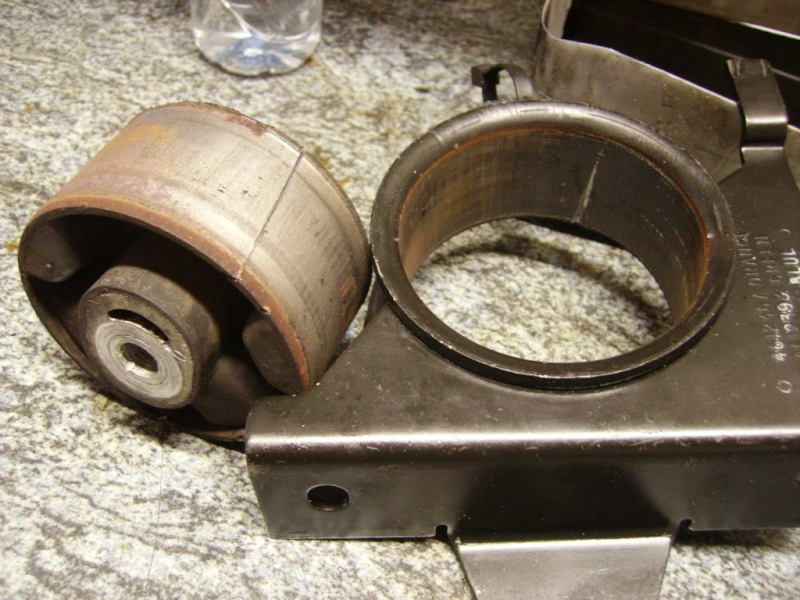tuto remlacement 4 silens blocs moteur chrysler 2,5 td 98 Sb3410