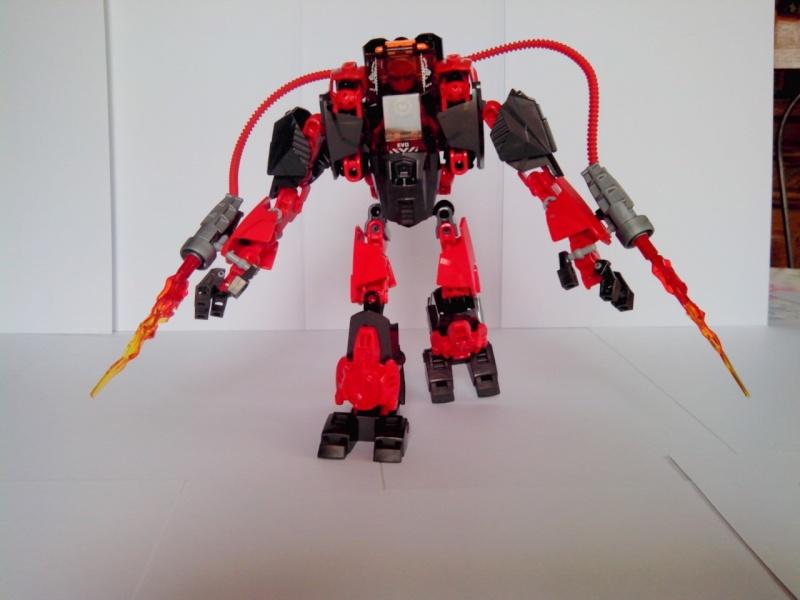 [MOC] Concours été 2014 : Machine Lance-flamme de Furno Img_2229