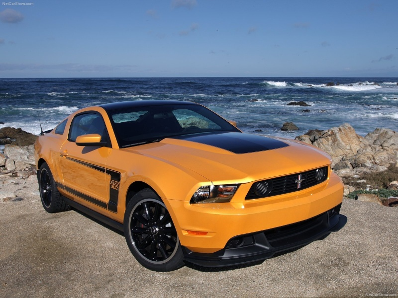 2012 Mustang Boss 302 (conversion) de Revell Ford-m10