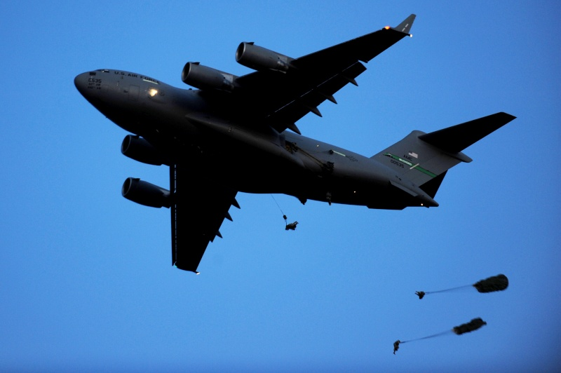 US Military Photos and Videos: - Page 3 8th_ai10