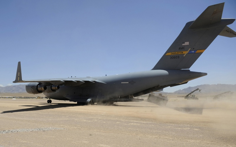 US Military Photos and Videos: - Page 3 C-17_g10