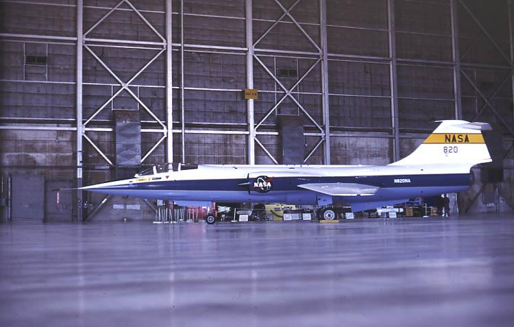 DUO: F-104N (NASA) + F-104G (BAF) Hazegawa 1/48  F-104210