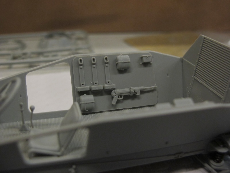 BRONCO CB 35033 - Sd.Kfz.221 - 1/35 Img_5633