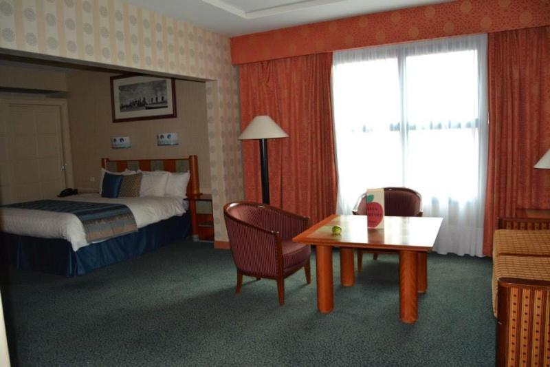 Séjour à l'hotel New york pour mes 24ans à l'ESC - Page 5 Pomme210