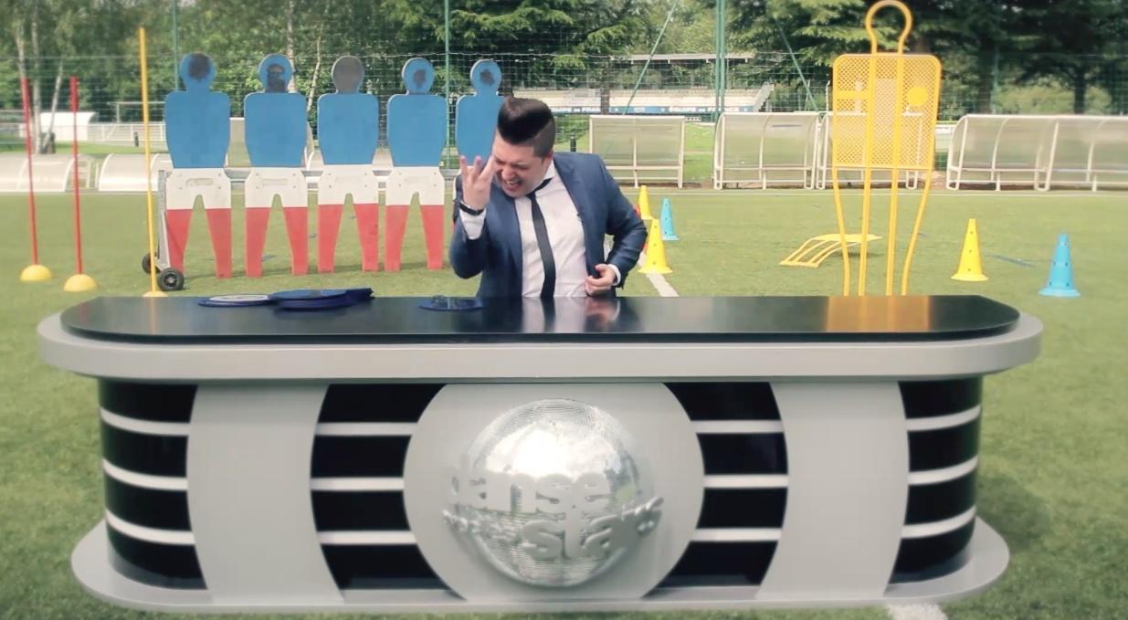 Images Chris Marques juge l'équipe de France sur une samba concours de jongles #CDM2014 #Bresil2014 Captur20