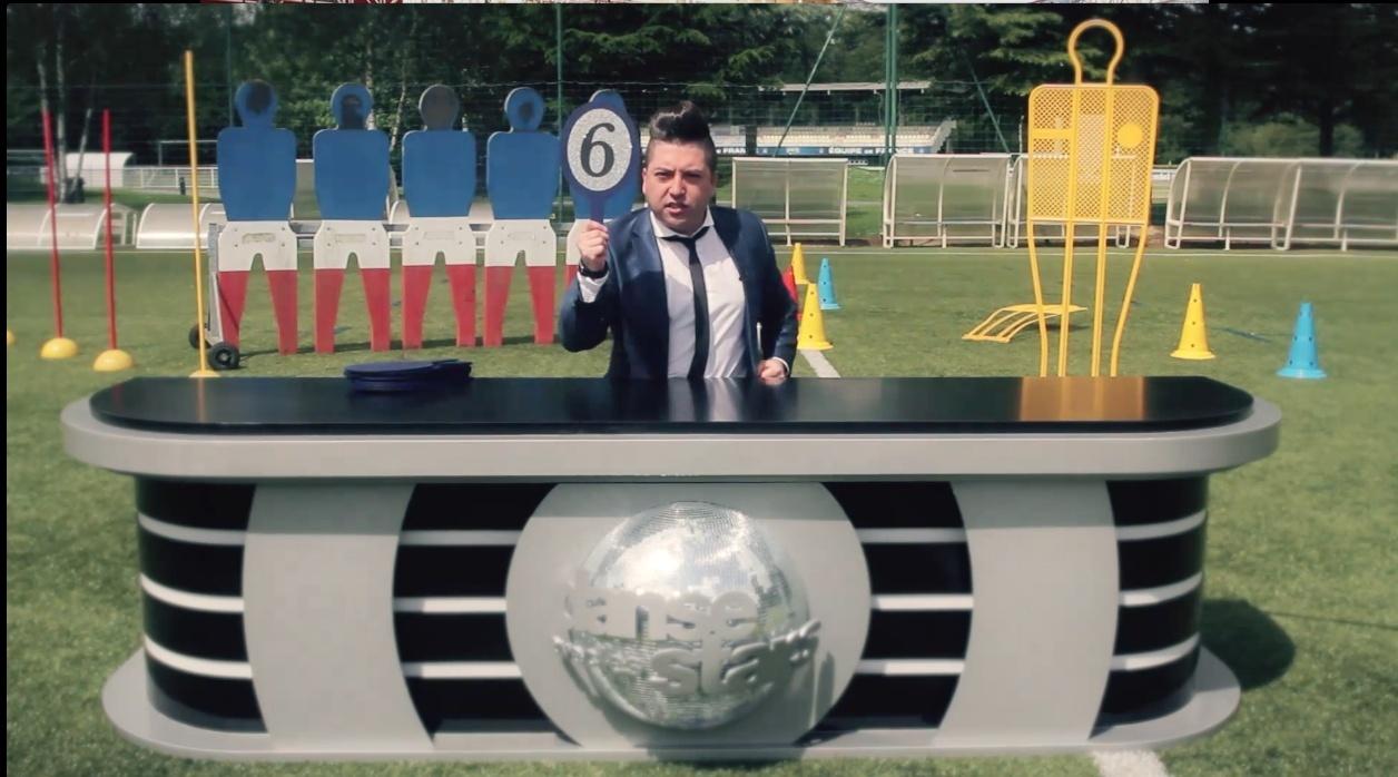 Images Chris Marques juge l'équipe de France sur une samba concours de jongles #CDM2014 #Bresil2014 Captur22