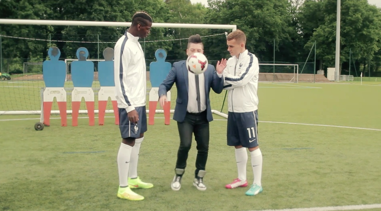 Images Chris Marques juge l'équipe de France sur une samba concours de jongles #CDM2014 #Bresil2014 Captur25