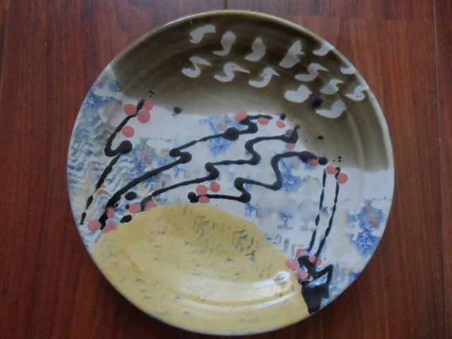Studio Pottery charger with 'mark' for identification Sam_0810