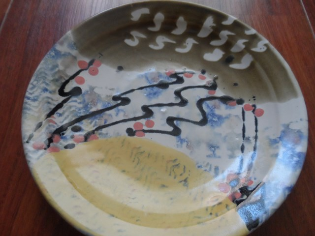 Studio Pottery charger with 'mark' for identification Sam_0811