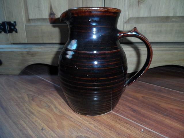 studio pottery jug Sam_1114