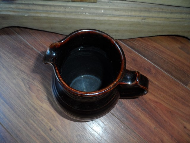 studio pottery jug Sam_1115