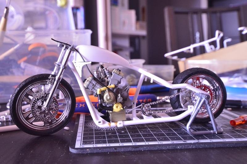 CSOEBWHMGPV5MIOTFTKRV5BRSD ou HRC V5 (Honda Racing Chopper V5) 20140911