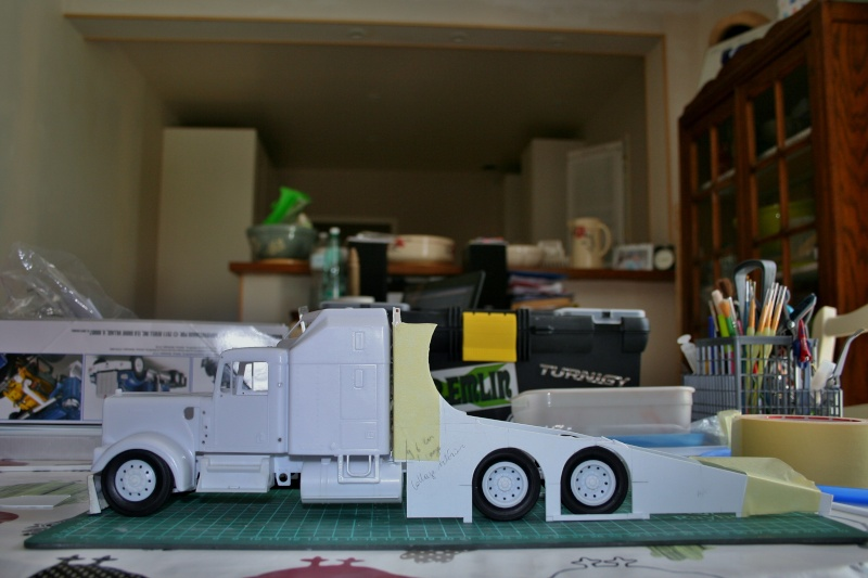 "Kenworth W900 ""Mopar Performance Race Car Hauler"" (Revell) [STANDBY] - Page 3 Img_2210"