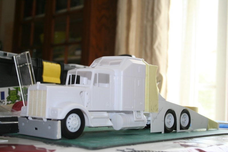 "Kenworth W900 ""Mopar Performance Race Car Hauler"" (Revell) [STANDBY] - Page 3 Img_2211"