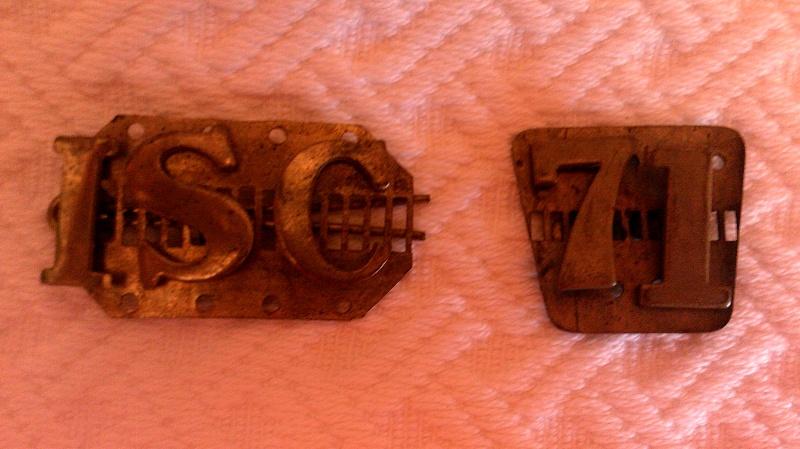 Unknown Epaulette (?) Badges Dscf0010