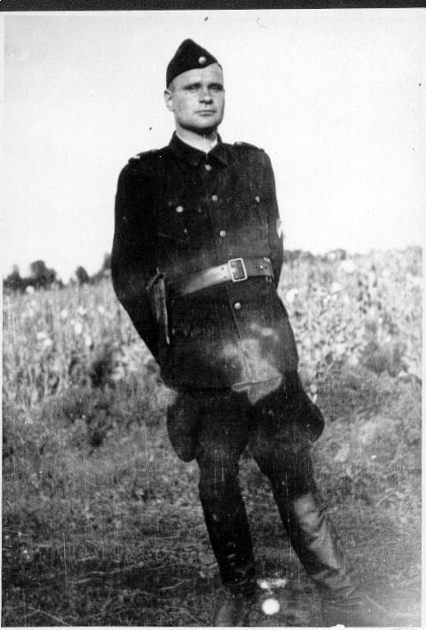 La legende du Waffen SS super soldat... - Page 25 Belzec10