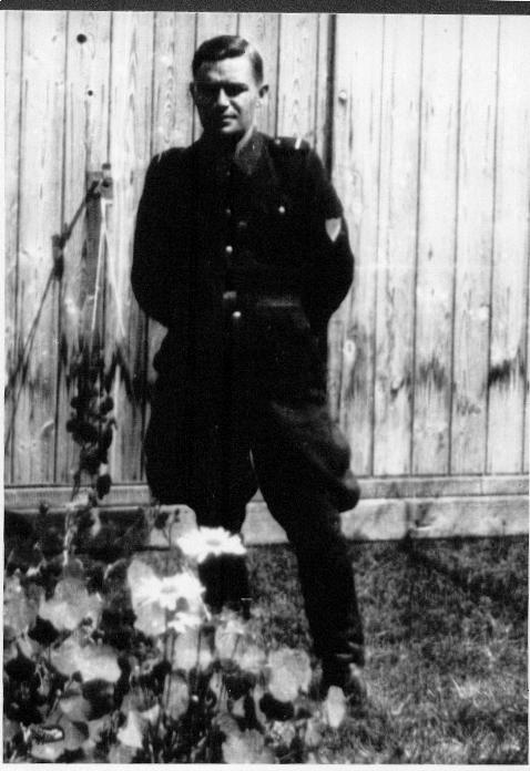 La legende du Waffen SS super soldat... - Page 25 Belzec11