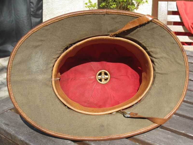 Montrez vos casques tropicaux Img_2835
