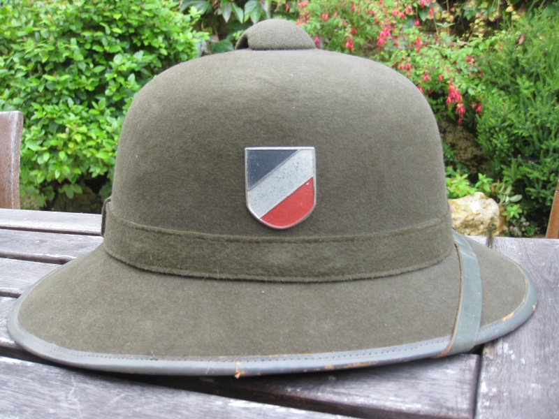 Montrez vos casques tropicaux - Page 2 Img_3010