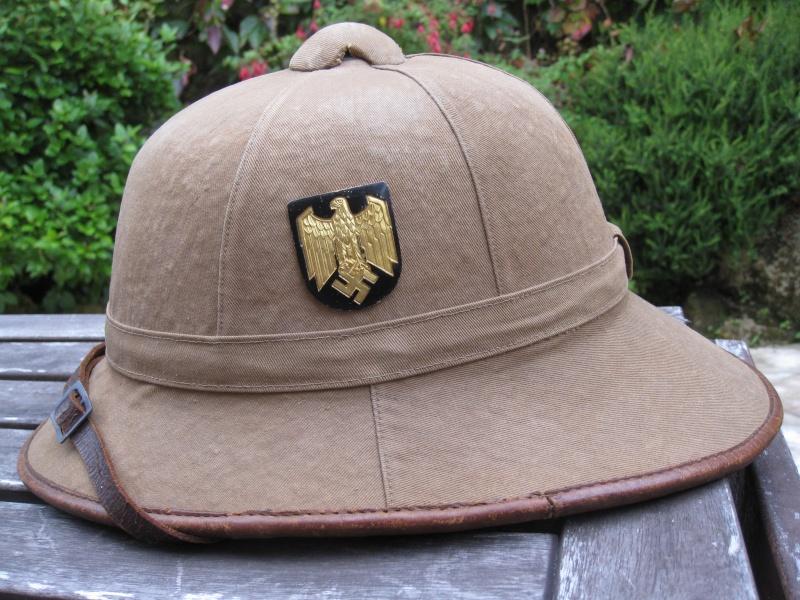 Montrez vos casques tropicaux - Page 2 Img_3028