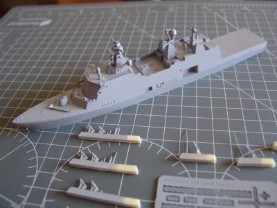 HDMS Absalon L-16  Navire de Soutien Multifonctions - NNT 1/700 Hdms_a12