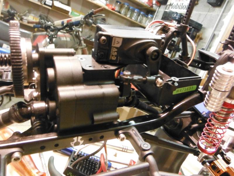 AXIAL 6x6 test d'une nouvelle façon de voir la transmission... Dscf5216