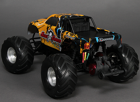 Traxxas Summit vs. Quanum Skull Crusher 23465-10