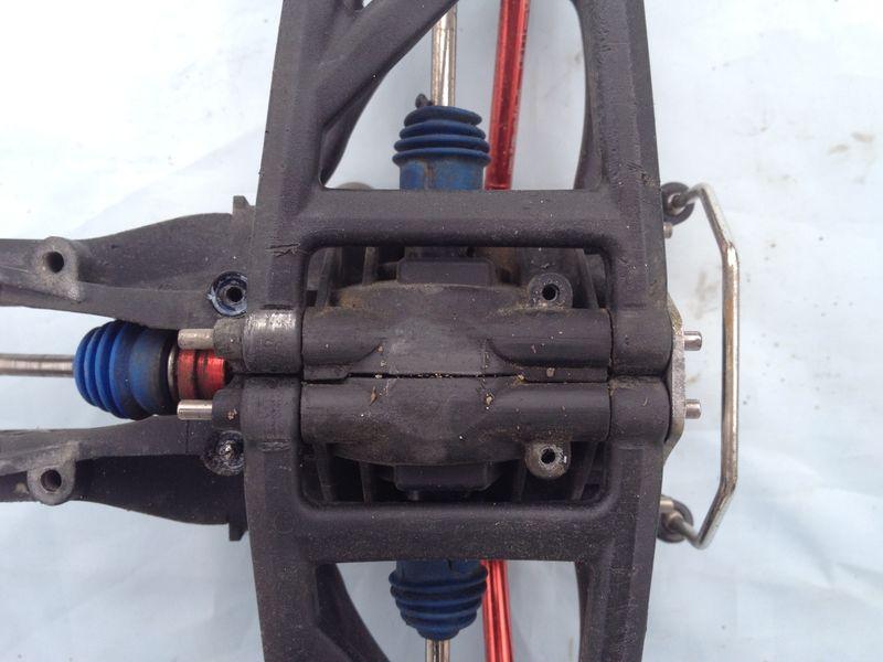 [TUTO] Démontage du bulkhead arrière de l'ERBE Img_2332