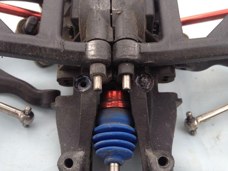 [TUTO] Démontage du bulkhead arrière de l'ERBE Img_2340