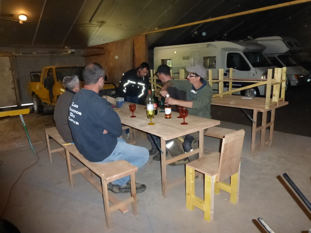 Table et bancs des crabots P1000015