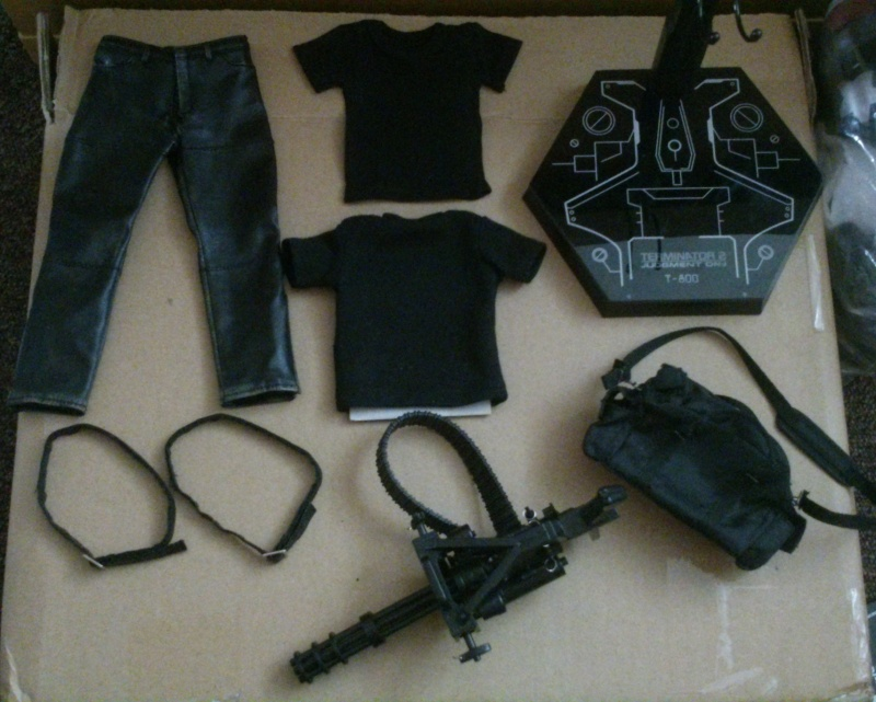Giga vente de loose! Hot Toys! Blitzway! Customs! Batman! Terminator! Loose_15