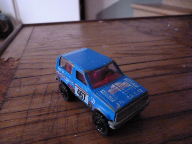 N°251 ford bronco P1020134