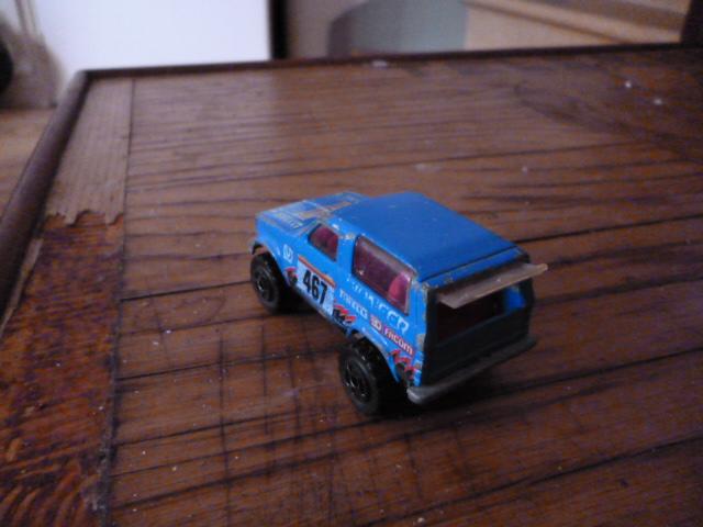 N°251 ford bronco P1020135