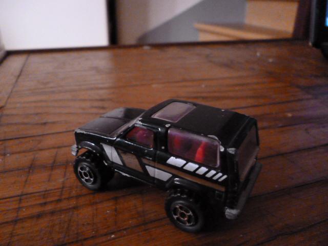 N°251 ford bronco P1020137
