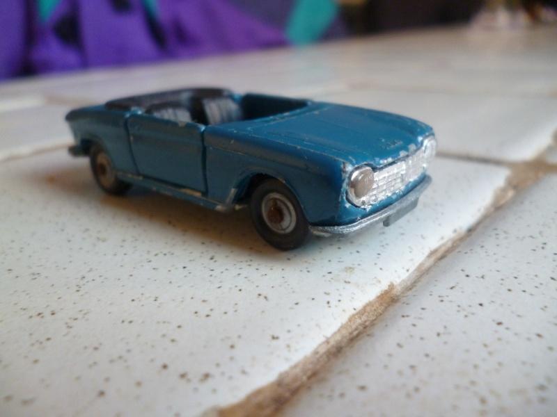 N°230 Peugeot 204 cabriolet P1020324