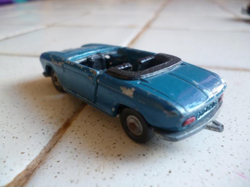 N°230 Peugeot 204 cabriolet P1020325