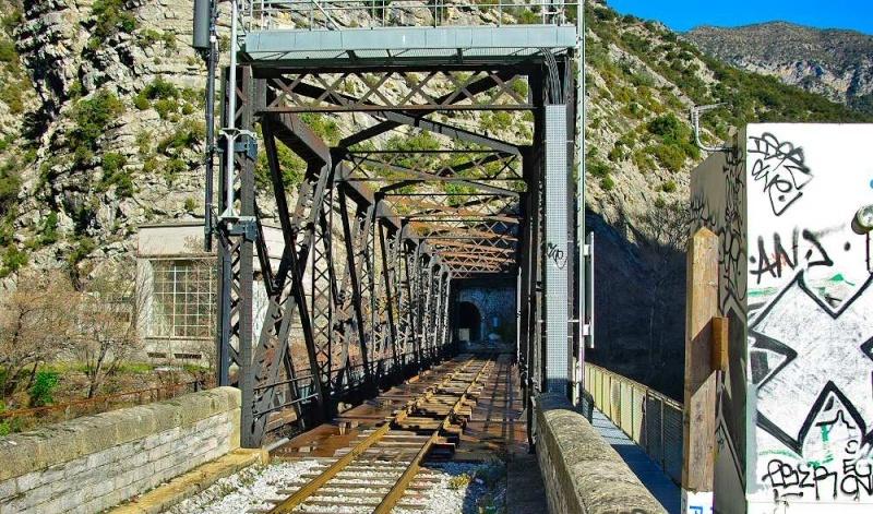 """Le pont-cage de """"Jeo780"""" Pont_c10"""