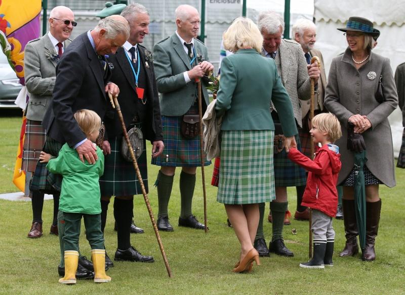 Carlos de Inglaterra y Camilla, Duquesa de Cornualles - Página 14 Ing111