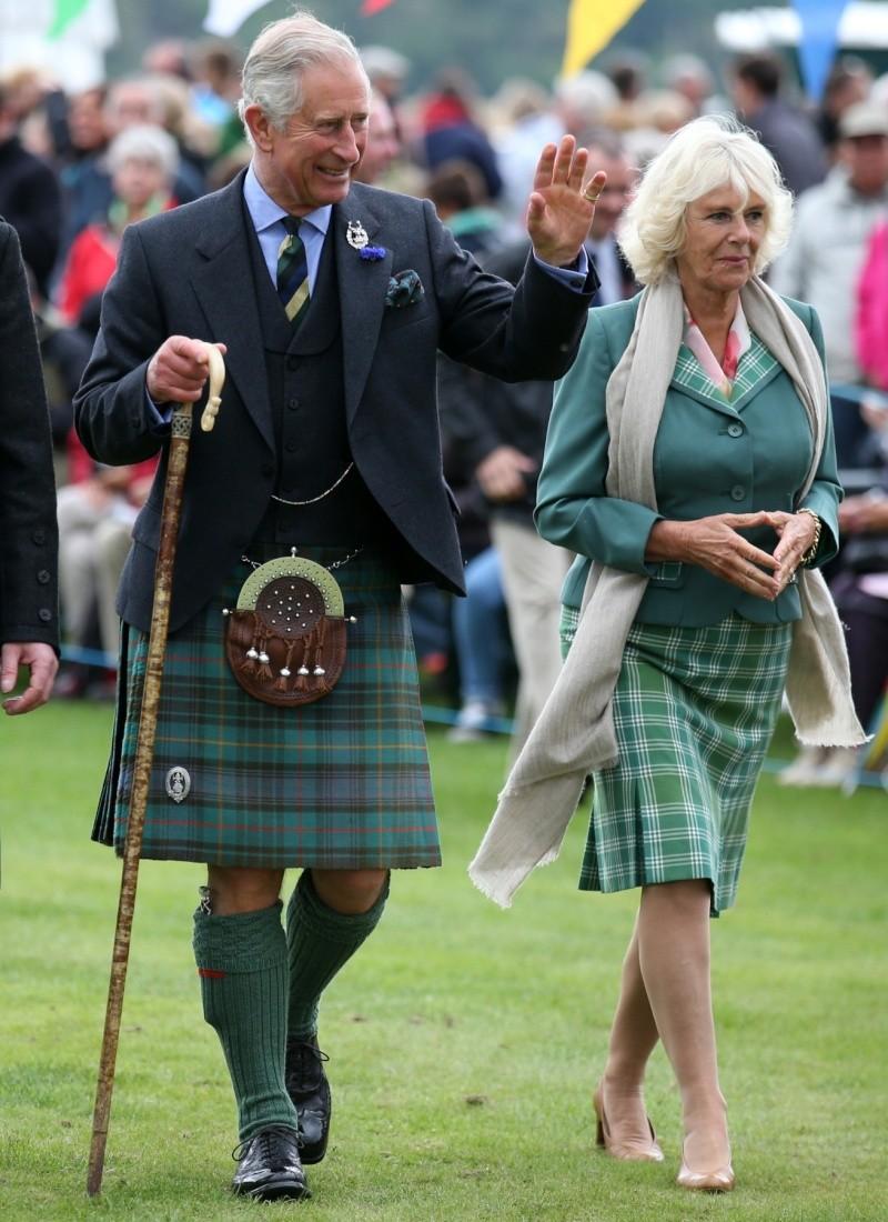 Carlos de Inglaterra y Camilla, Duquesa de Cornualles - Página 14 Ing710