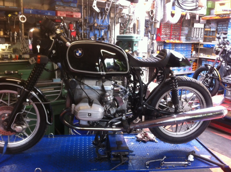 transformation cafe racer bmw r100  7rs