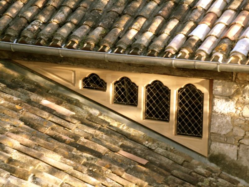 Un sur-cadre de fenêtre  Gedc3218